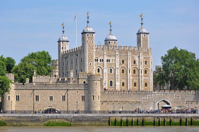 La Tour de Londres, gardienne des joyaux de la Couronne