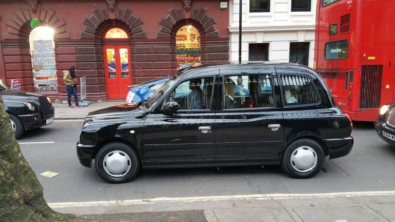 Pourquoi les taxis sont noirs à Londres ?